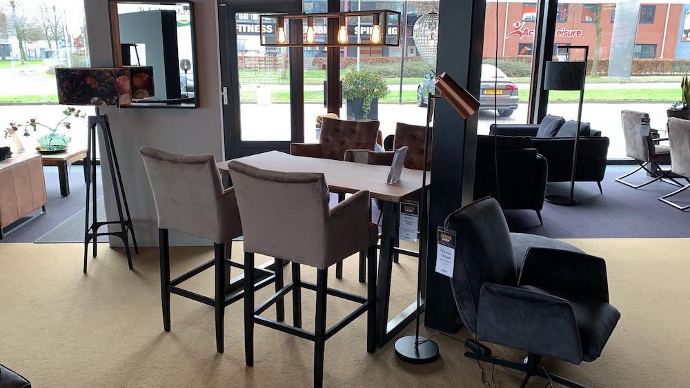 Meubelshop Emmen Kiest u voor de eetkamerstoel of de barstoel 10
