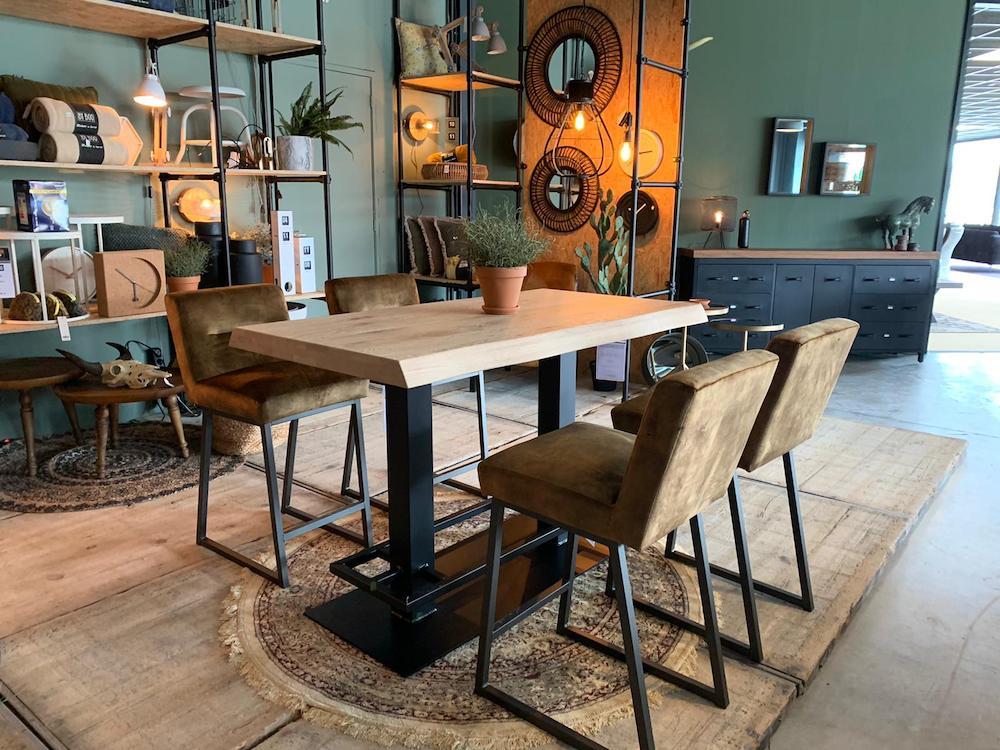 Meubelshop Emmen Kiest u voor de eetkamerstoel of de barstoel 11