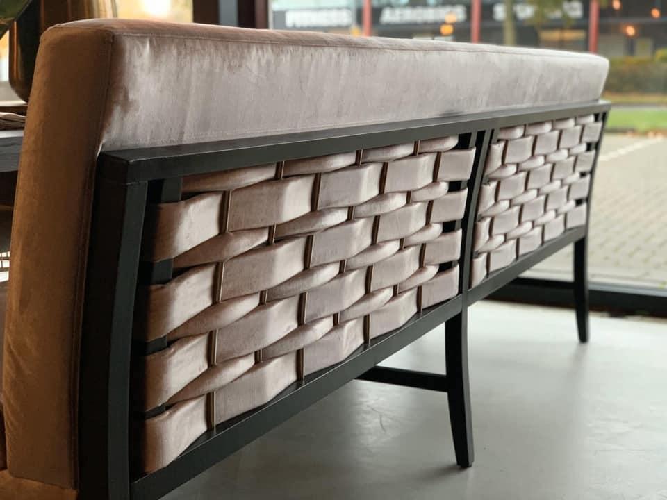 Elegant tafelen bank achterkant